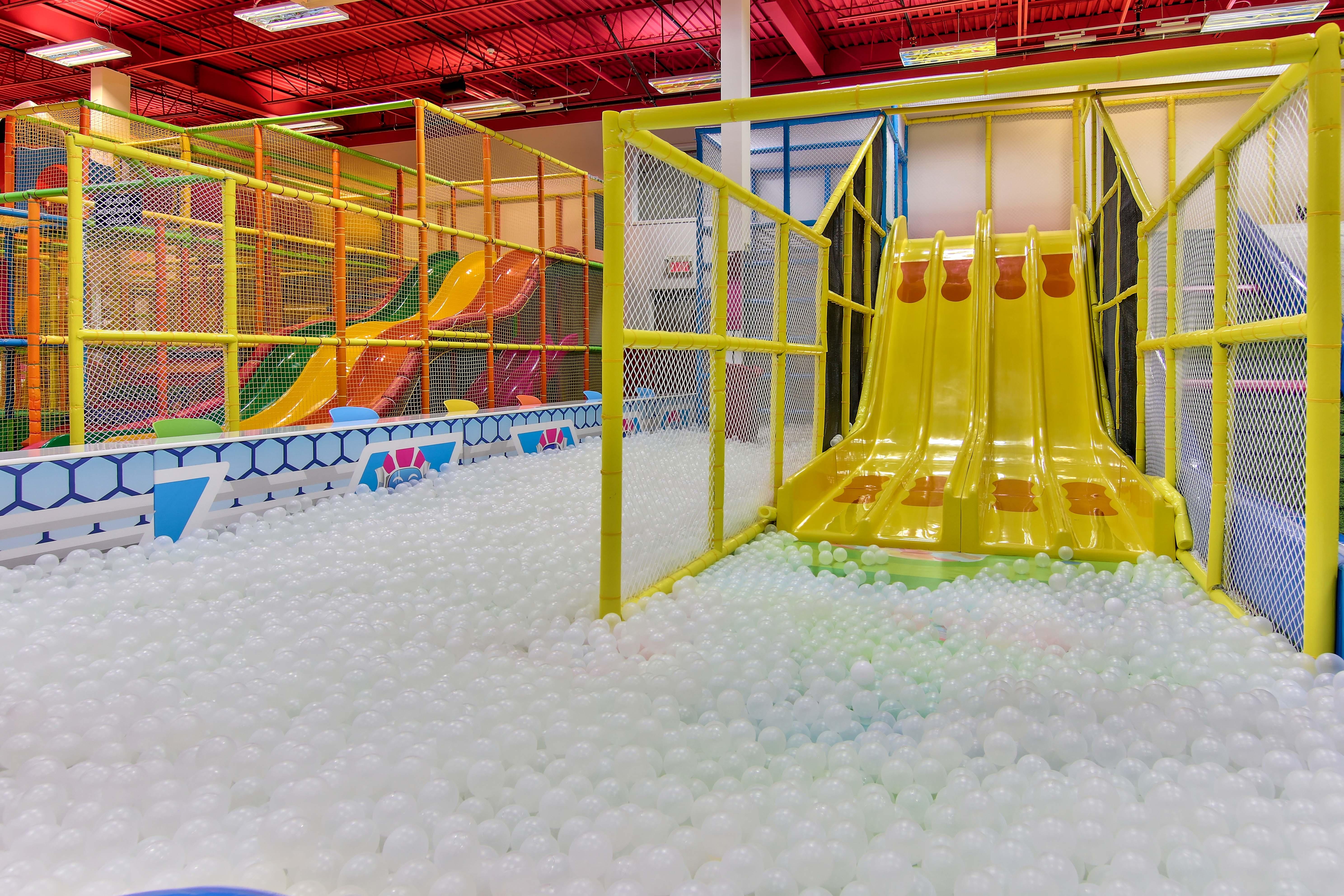 Labyrinthe , toboggan , piscine à balles , modules de jeux intérieur , glissade sur tube intérieur