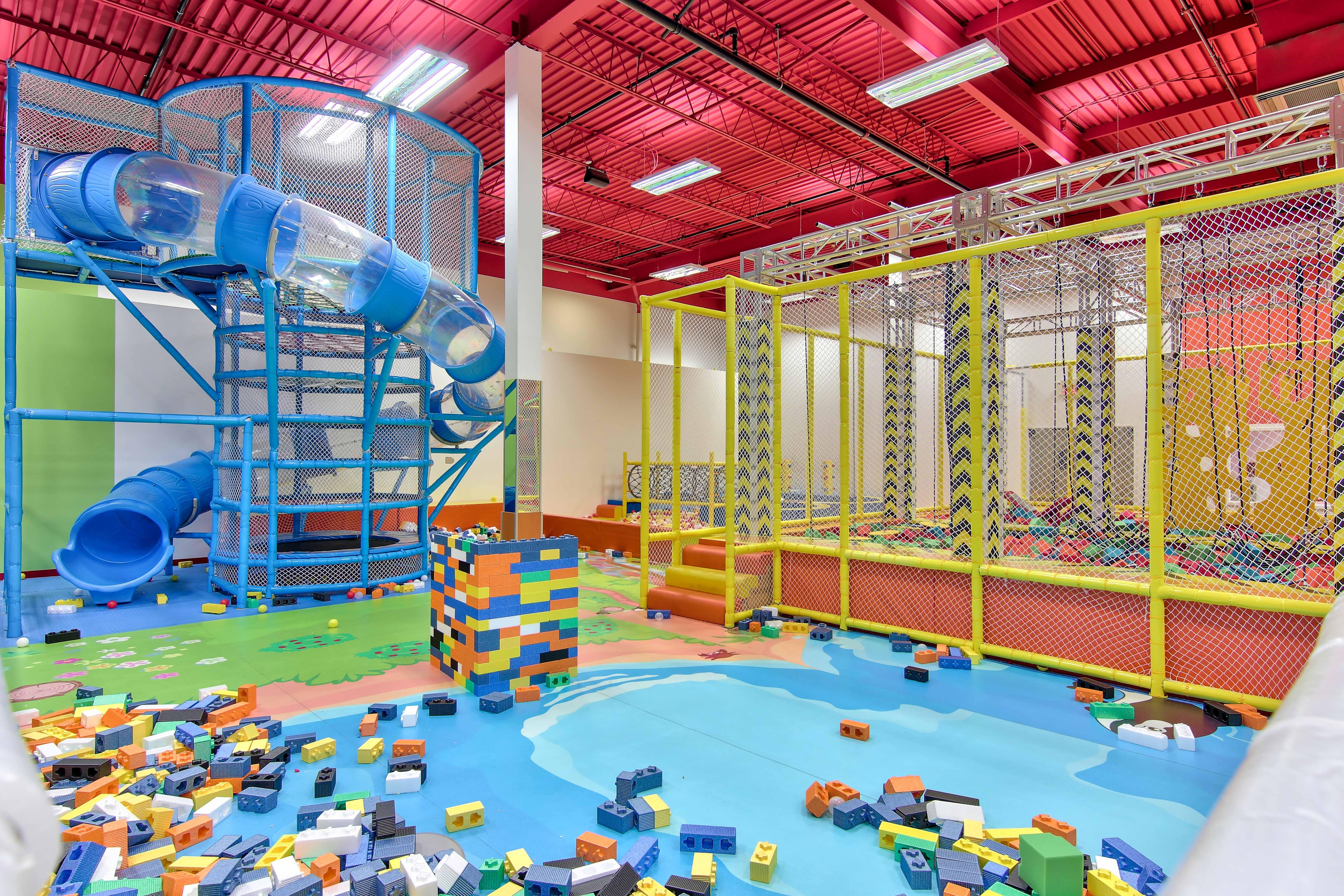 Glissades, Modules de jeux, parcours ninja pour enfant , activité intérieur ,piscine à balles