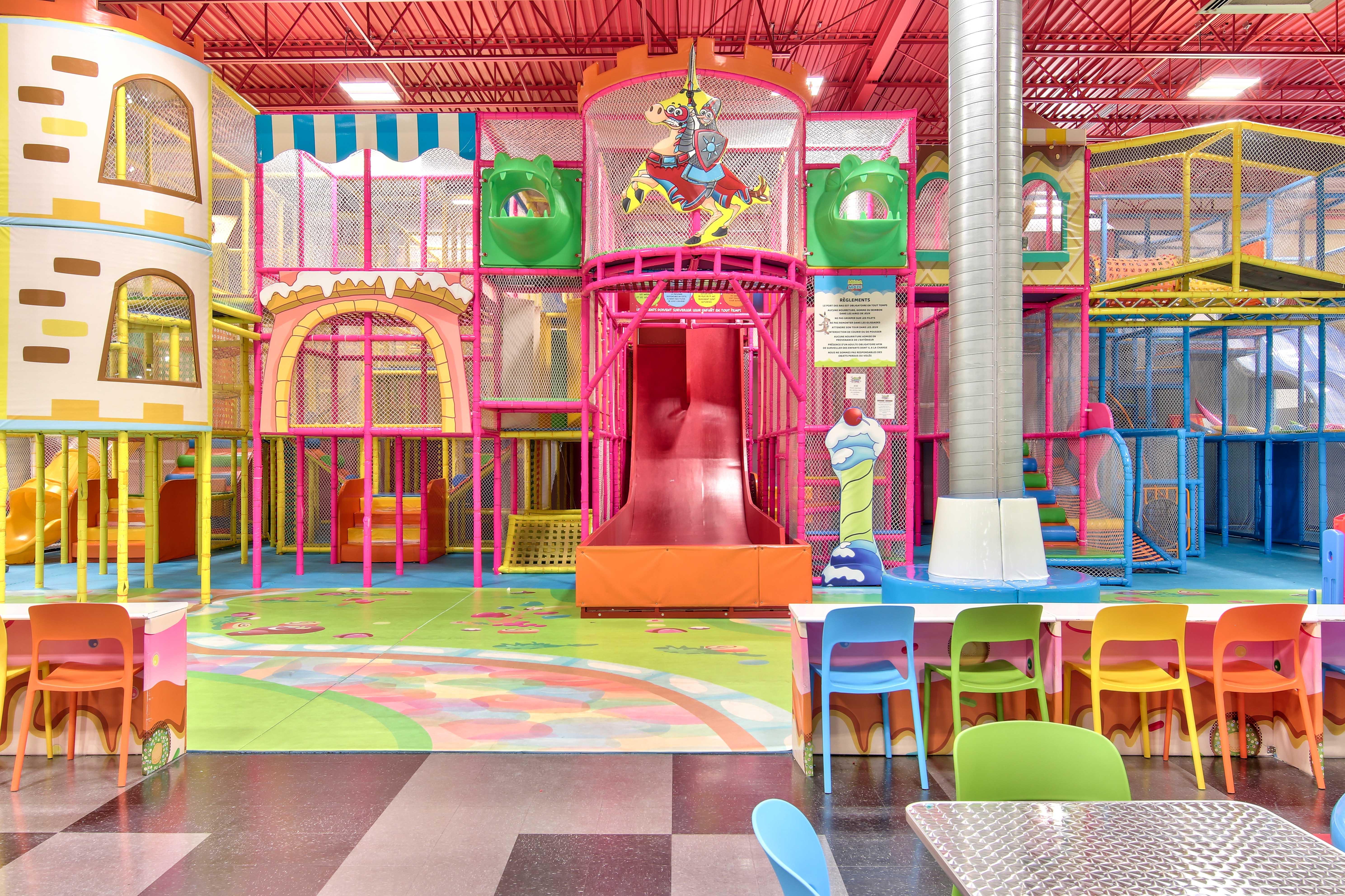 labyrinthe, glissades, module de jeux , activité intérieur pour enfant , jeux pour enfant