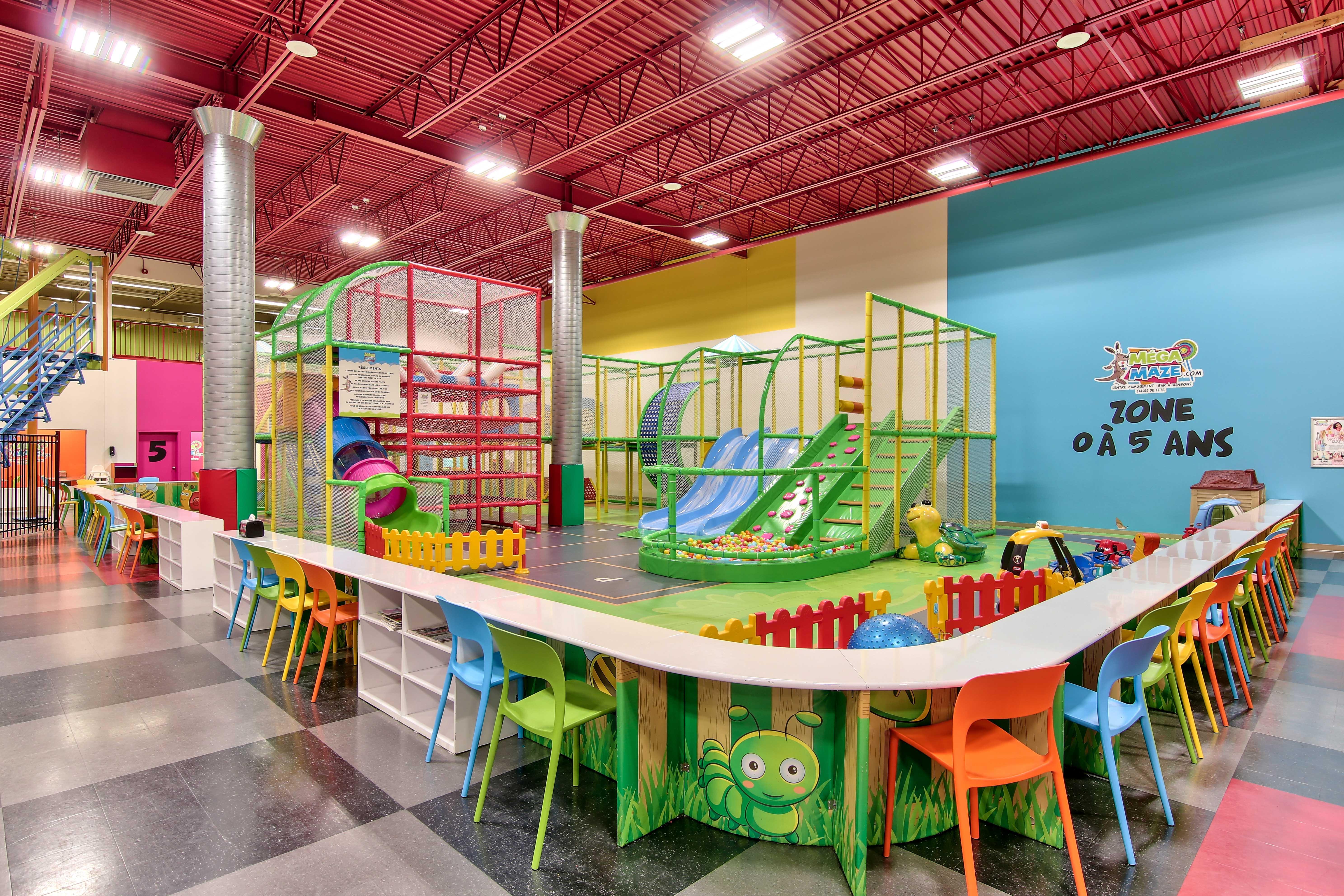 activité pour bébé, piscine à balles , glissades , module de jeux intérieur , jeux pour enfant