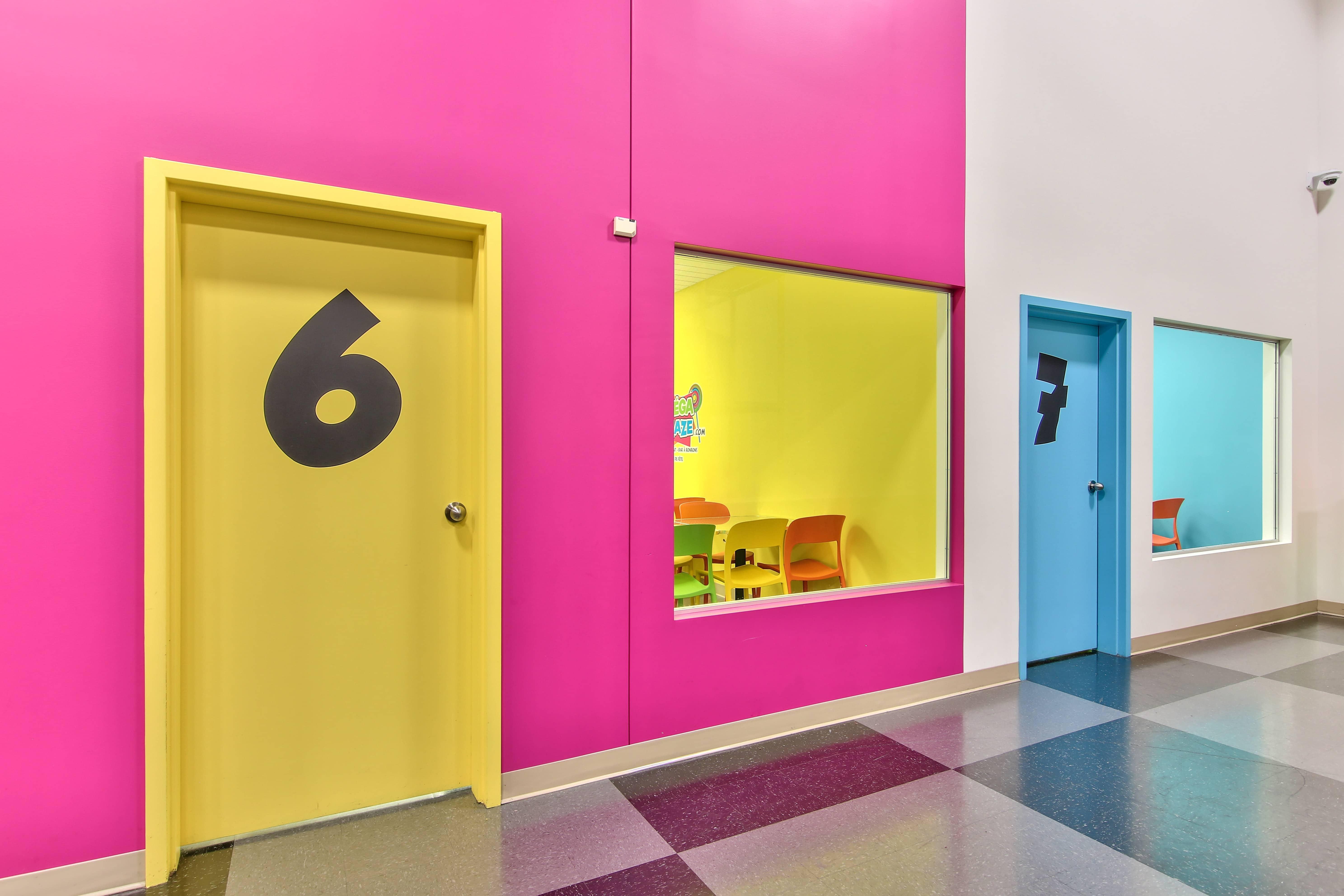 Fête pour enfant , bar à ballons , salle privée, centre amusement , gratuit pour le fêté , événemen