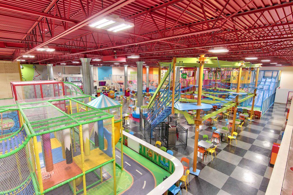 module de jeux intérieur, jeux pour enfant, centre amusement , parcours aérien