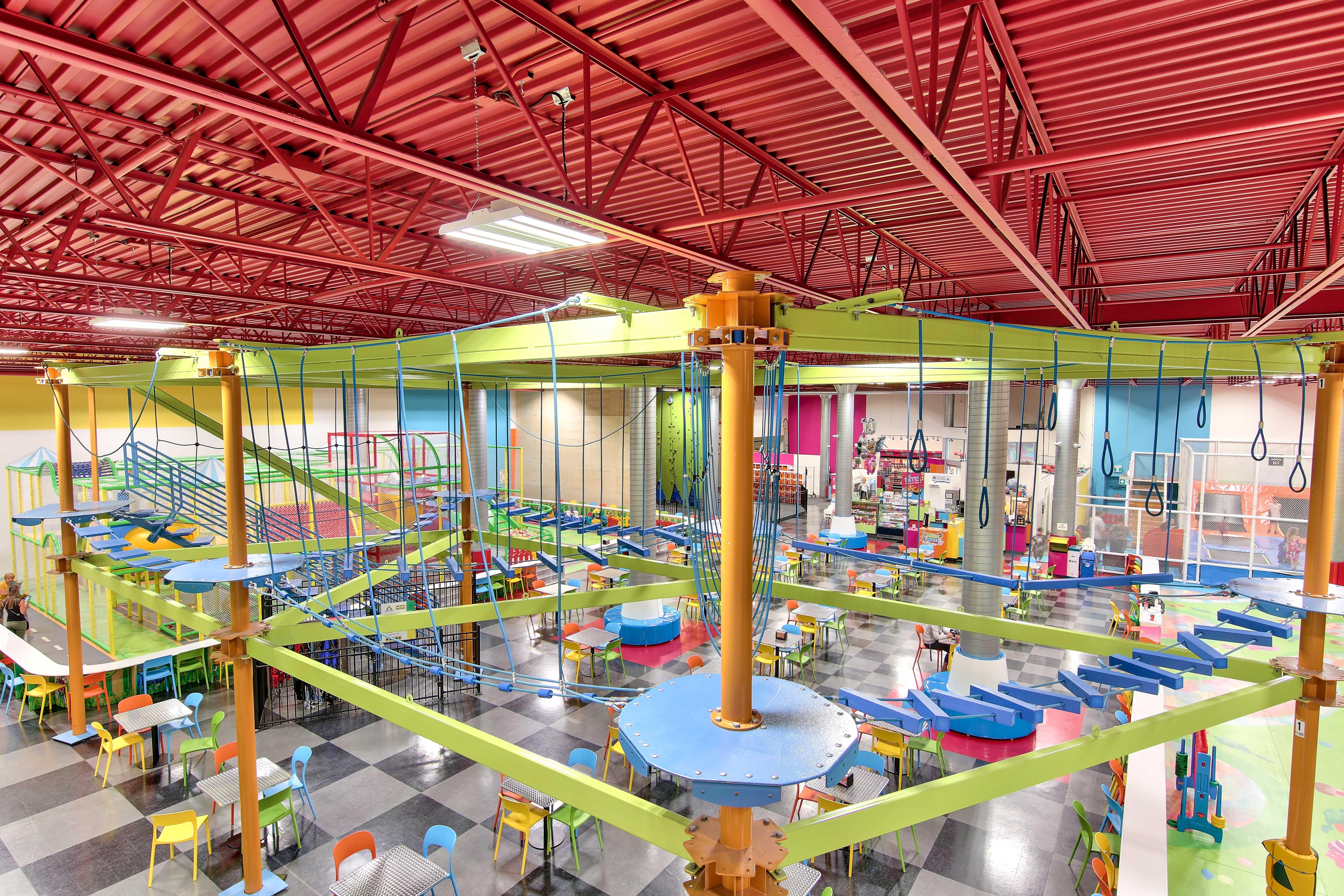 parcours aérien , activité intérieur pour enfant, activité à faire , activité familiale , centre amusement